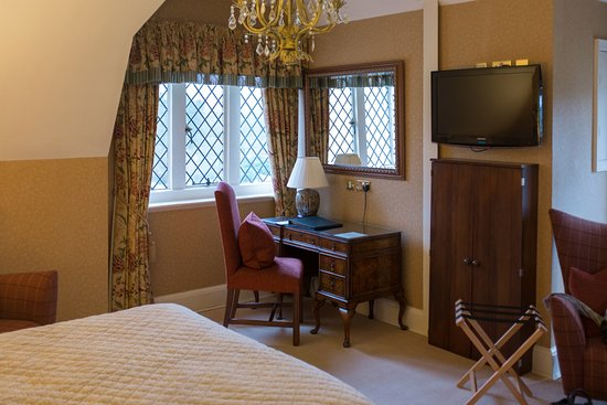 Rushton Hall Hotel and Spa: Charles Dickens Room