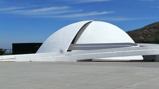 ‪Teatro Popular Oscar Niemeyer‬