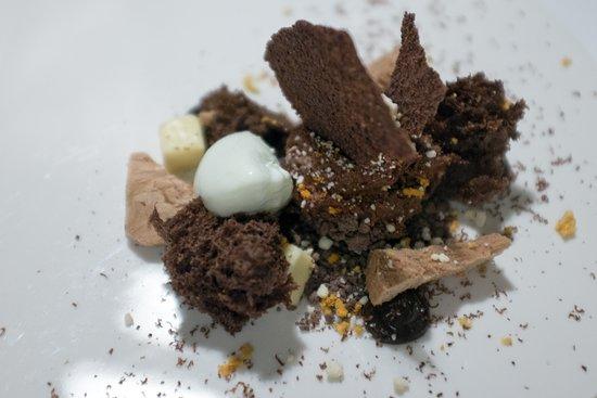 Rushton Hall Hotel and Spa: Chocolate Dessert