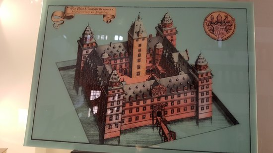 Schloss Johannisburg mit Schlossanlagen: The palace puzzle for sale to the visitors