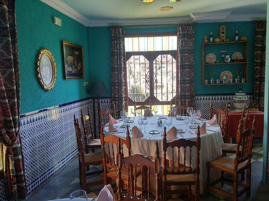 Quentar, İspanya: Vista de comedor 1
