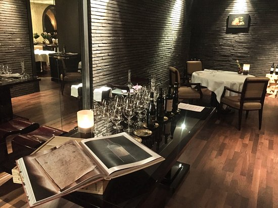 Off The Vine with Marco Lori: Walking on a...Michelin star. Exclusive Wine and food tasting dinner at the Magnolia restaurant.