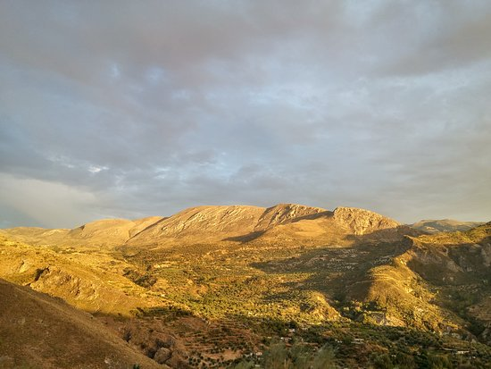 Quentar, Espanha: Vista sur al atardecer