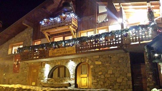 Montchavin, فرنسا: hotel/restaurant exterior