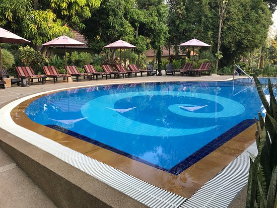 Oriental Kwai Resort: Pristine pool