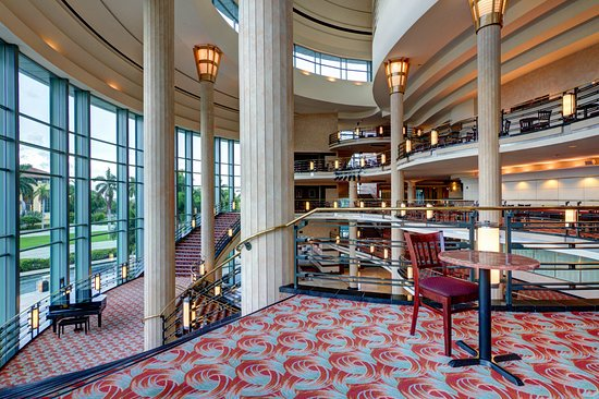 Kravis Center for the Performing Arts : Dreyfoos Hall Lobby