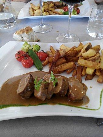 Ille-sur-Tet, France: filet mignon de porc frittes plat du jour.