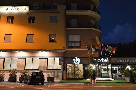 Hotel Santa Maria : Facciata principale lato mare