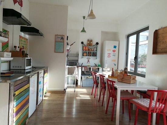 Cucina comune al terzo piano - Picture of Ostello Bello, Milan ...
