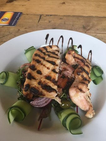 Derbyshire, UK: Char-grilled chicken and bacon salad.
