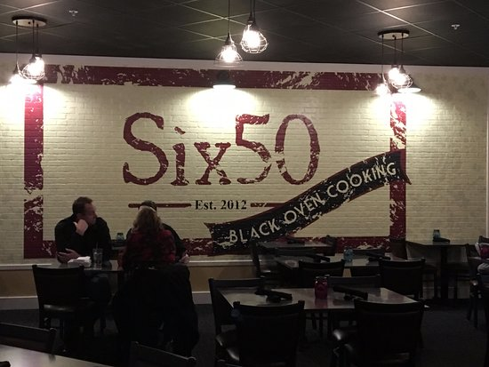 Victor, Nowy Jork: Six 50 - sign on wall