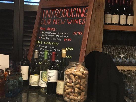 Victor, Estado de Nueva York: Six 50 - wine selections