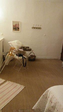 Sainte-Sabine-Born, Francja: table jardin avec 2 chaises