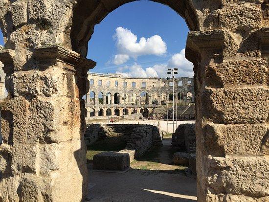 Амфитеатр Пулы: photo0.jpg