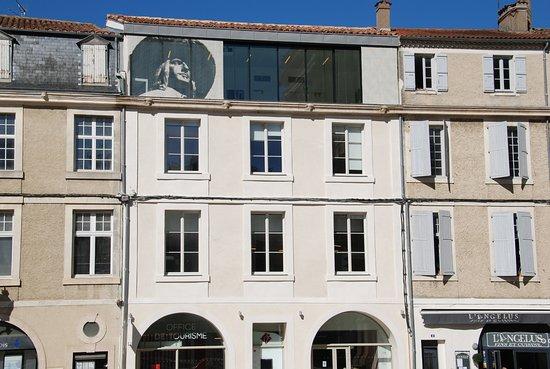 Auch, France: Façade de l'office du Tourisme