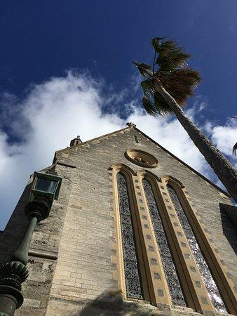 Гамильтон, Бермуды: The Cathedral of the Most Holy Trinity