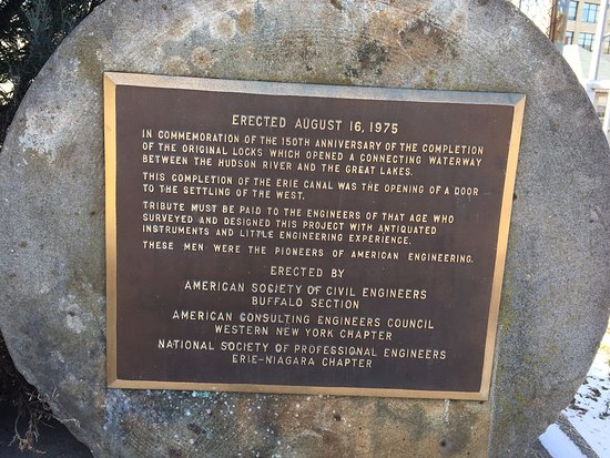 Lockport, NY: Erie Canal locks and park. - plaque