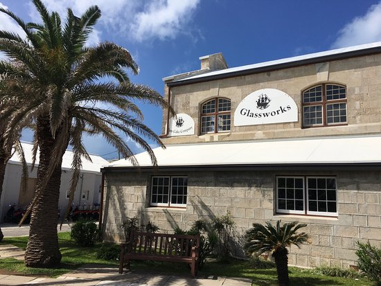 Sandys Parish, Bermuda: Dockyard Glassworks building front