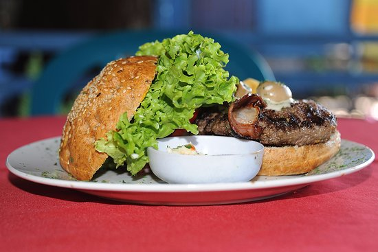 La Frontera: Heavy Metal Burger con pan integral de linaza