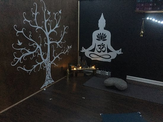 Deer Lake, Kanada: Inside the Yoga Studio