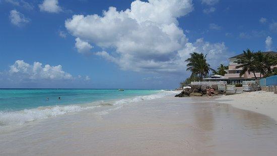 Butterfly Beach Hotel: The beach