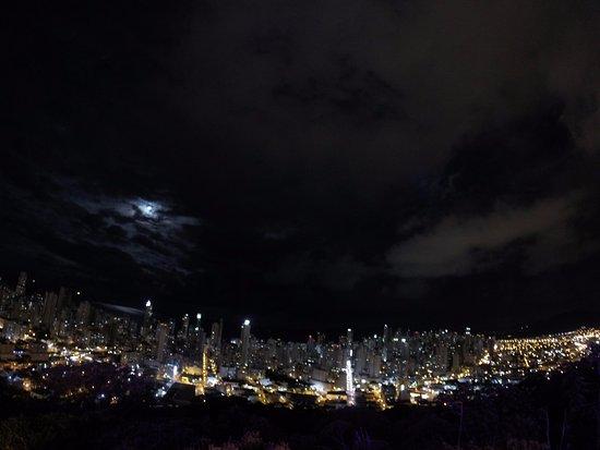 Ciudad Nocturna Fotografía De Cristo Luz Balneario Camboriu