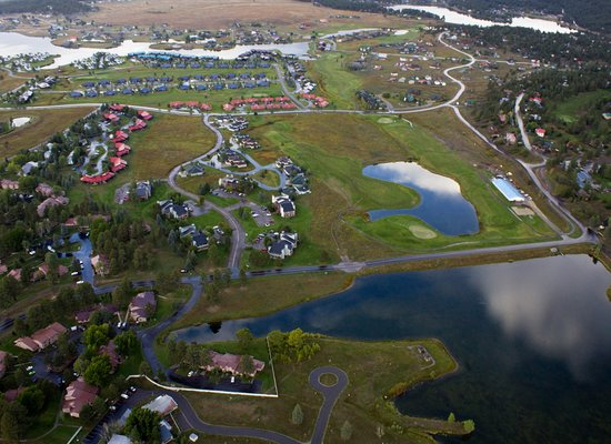 Rocky Mountain Balloon Adventures, LLC.: A view of Pagosa Springs from the balloon