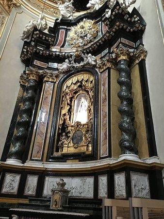 Cattedrale (Duomo) di Bergamo e Battistero: Altar