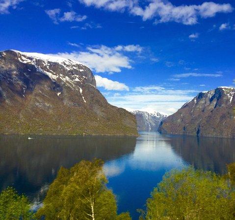 Aurland Municipality, Noruega: Stegastein viewpoint fabulous views!!!!!!