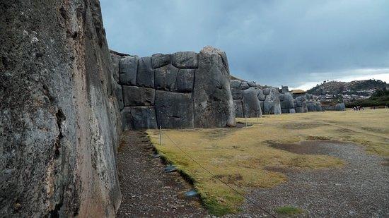 Sacsayhuaman: SAcré muraille