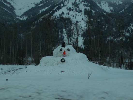 Wilson, WY: Snowman on the way to Teton Resort