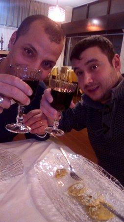 Busnago, Italy: Fine serata cotti ma sazi