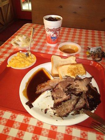 Soulman's BBQ: Holy huge brisket plate!