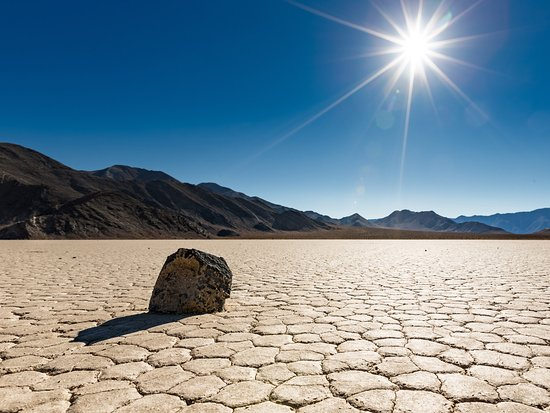death valley dry lake bed salt flat picture of california desert