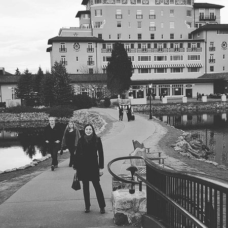 Best hotel ever picture of the broadmoor colorado for The best hotel ever