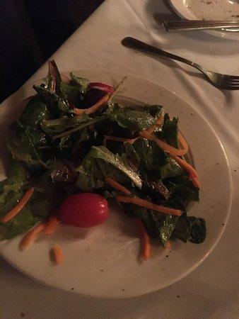Camillo's at the Crossroads: Half eaten garden salad