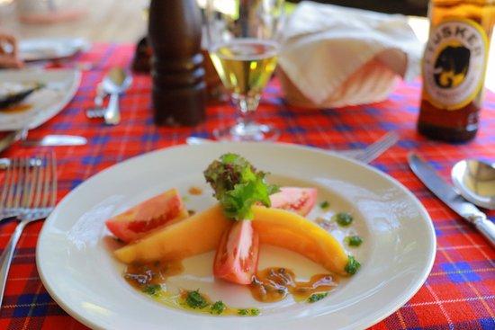Mara Explorer Camp: 料理美味しいし、ウェイターのおじさんは優しいし、サバンナブレックファストもやってくれました。最高の思い出です。