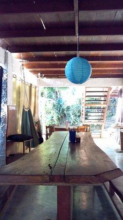 Luz en el Cielo Eco-B&B/Hostel: Dining table