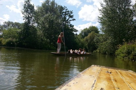 Private Chauffeured Punting Tour on