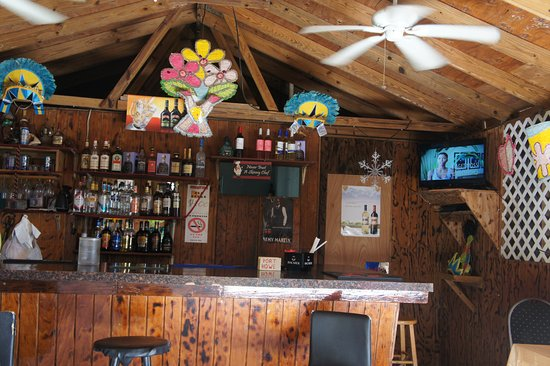The Hot Spot Restaurant and Karaoke Bar : Colorfully decorated inside