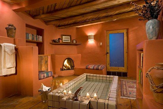 Ranchos De Taos, NM: Puerta Rosa's Bathroom
