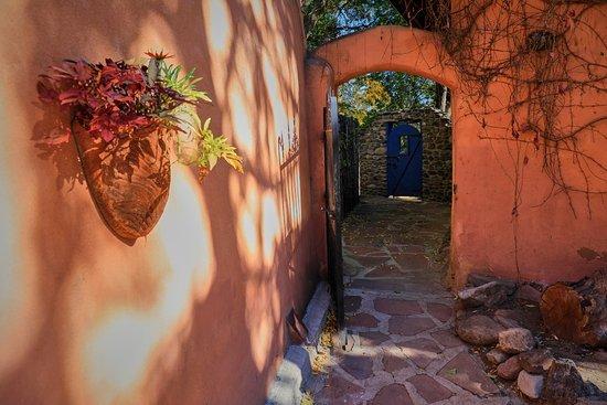 Ranchos De Taos, NM: Enter the back courtyard