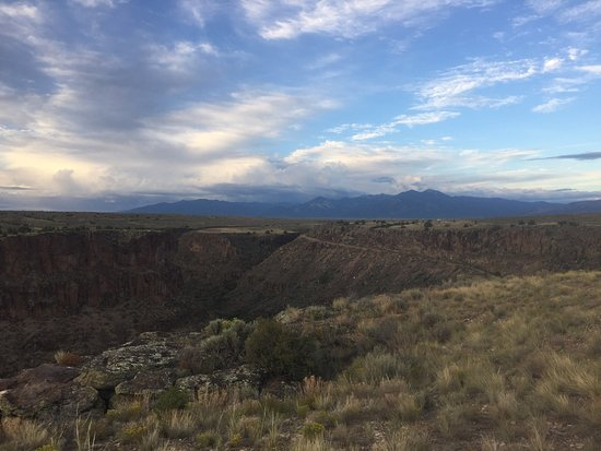 Ranchos De Taos, NM: Rio Pueblo Gorge at the Taos Valley Overlook