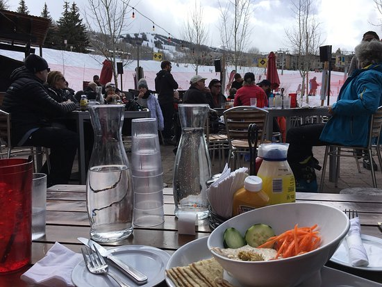 Base Camp Bar & Grill : photo2.jpg