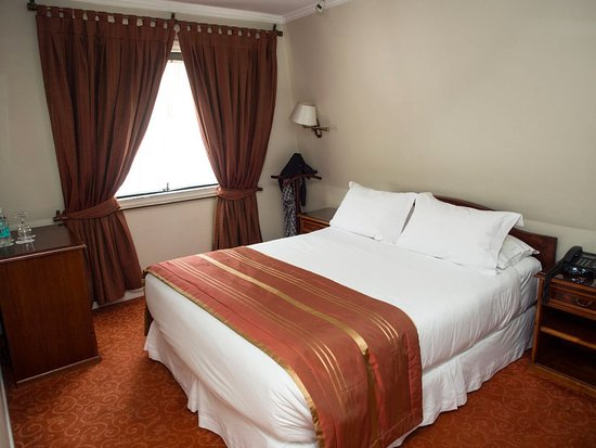 Hotel Orly: bedroom