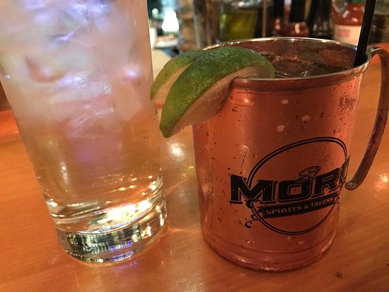 El Moro Spirits & Tavern : Colorado Mule !!! What a cocktail ! And what a bar atmosphere is awesome and drinks are awesome