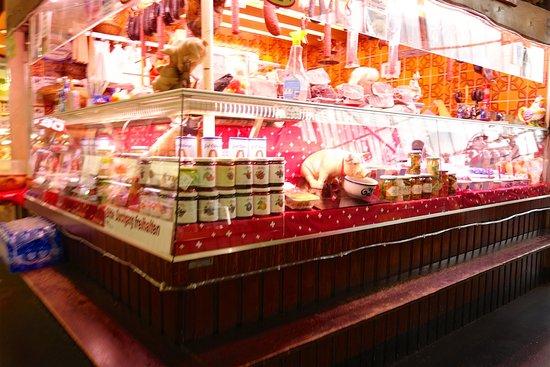 Kleinmarkthalle : お肉屋さんは5〜6軒あったと思います。