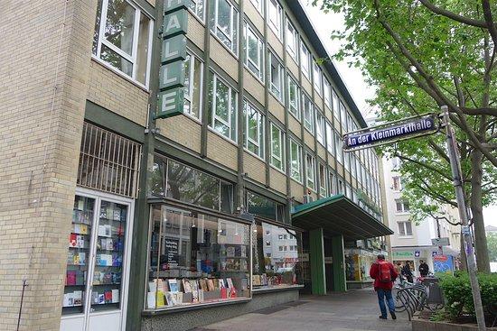Kleinmarkthalle : クラインマルクト ハレ東側の入口です