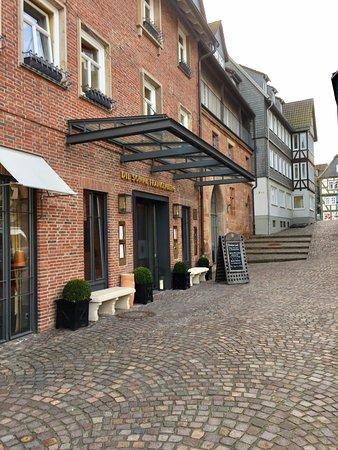 Hotel Die Sonne Frankenberg: Hoteleingang