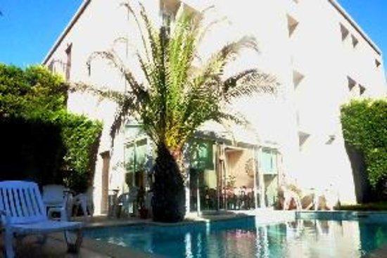 Adonis arc hotel aix aix en provence france voir les for Hotels 2 etoiles aix en provence